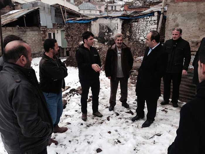 Milletvekili Özbek, Kozluk'taki afetzedelerin yanında 2