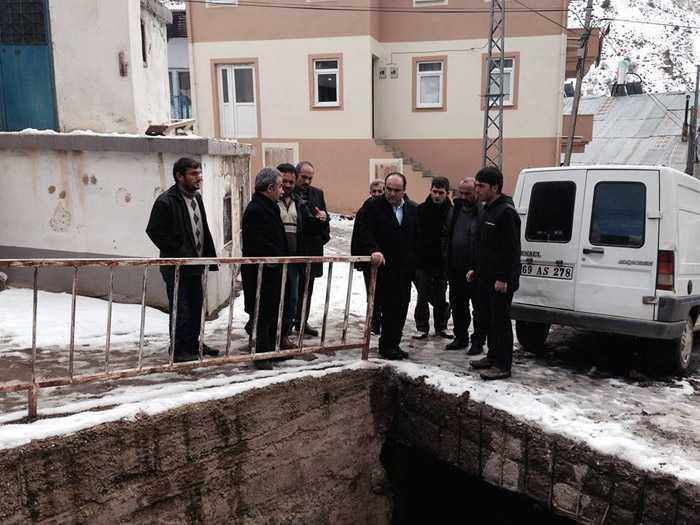 Milletvekili Özbek, Kozluk'taki afetzedelerin yanında 4