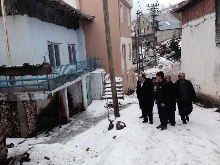 Milletvekili Özbek, Kozluk'taki afetzedelerin yanında 6