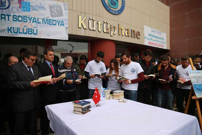 Bayburt Üniversitesinde Dünya Barışı İçin Kitap Okudular 1