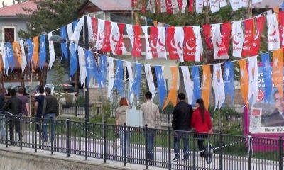 Bayburt'ta Siyasi Yarış Bayrak Yarışına Dönüştü-Foto Haber