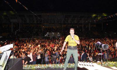 Mustafa Ceceli'nin Bayburt Konserine Büyük İlgi -Foto Haber