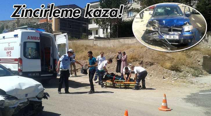 Şehir Girişinde Zincirleme Kazada 4 Kişi Yaralandı