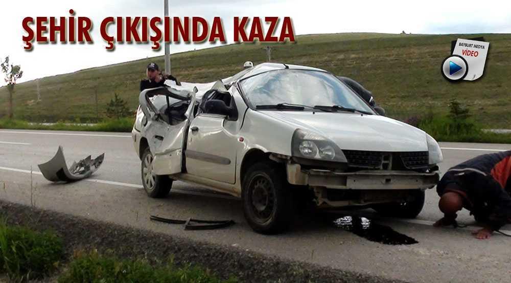 Kaza Yapan Araç Sürücüsü Yaralandı