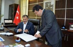 Bakan Veysel Eroğlu, Çamur Sulaması İçin İmzayı Attı