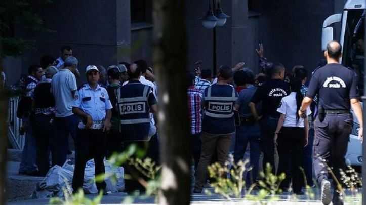 Bayburt'ta 32 Polis Görevden Uzaklaştırıldı