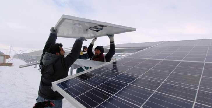 Güneş Enerjisi Panellerinin Montajı Başladı