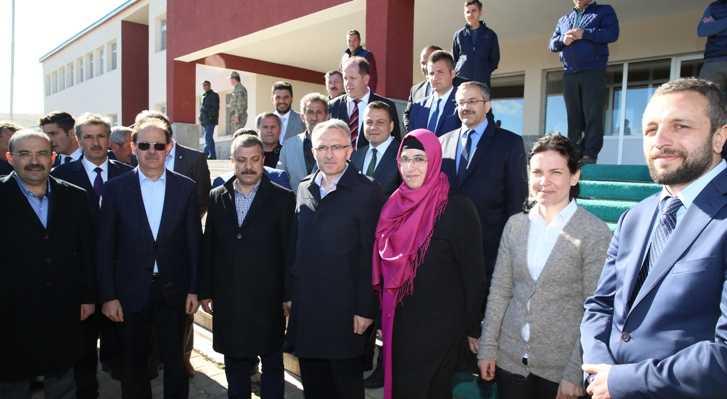 Bakan Ağbal Aydıntepe'de Yüksek Okulu Ziyaret Etti