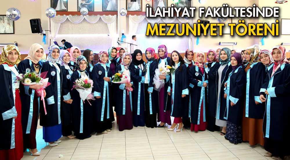 İlahiyat Fakültesi Mezunları Özel Bir Salonunda Kutlama Yaptı