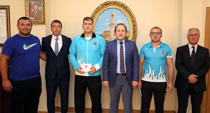 Avrupa'da Başarı Elde Eden Sporcular Ödüllendirildi