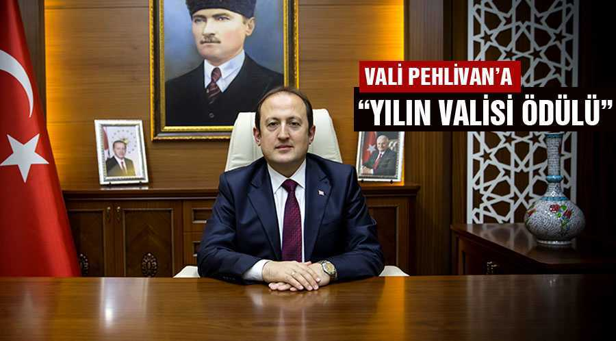 """Bayburt Valisi Pehlivan'a """"Yılın Valisi Ödülü"""""""