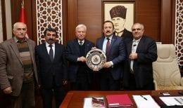Anadolu Yakası Dernek  Yöneticileri Vali Pehlivan'ı Ziyaret Etti
