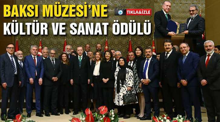Baskı Müzesi Ödülünü Cumhurbaşkanı Erdoğan'ın Elinden Aldı