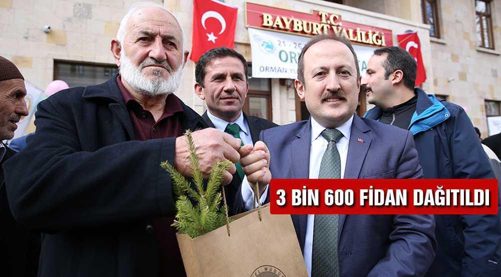 Bayburt'ta Halka 3 Bin 600 Ücretsiz Fidan Dağıtıldı