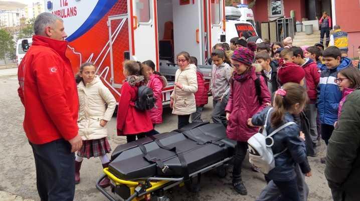 Öğrenciler 112 Acil Sağlık Hizmetleri Hakkında Bilgilendirildi