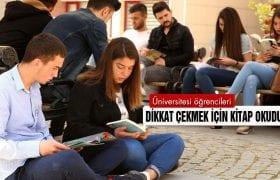 Üniversite Öğrencileri Dikkat Çekmek İçin Kitap Okudular