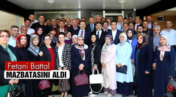 Bayburt Milletvekili Fetani Battal, Mazbatasını Aldı