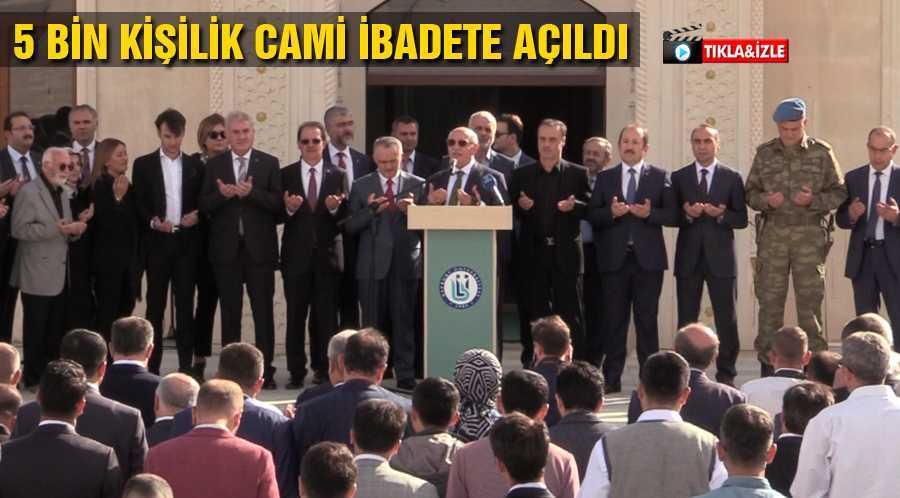Bayburt'ta 5 Bin Kişilik Cami İbadete Açıldı