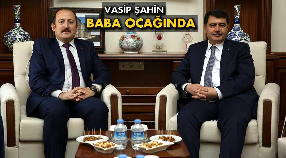 İstanbul Valisi Vasip Şahin Memleketi Bayburt'ta