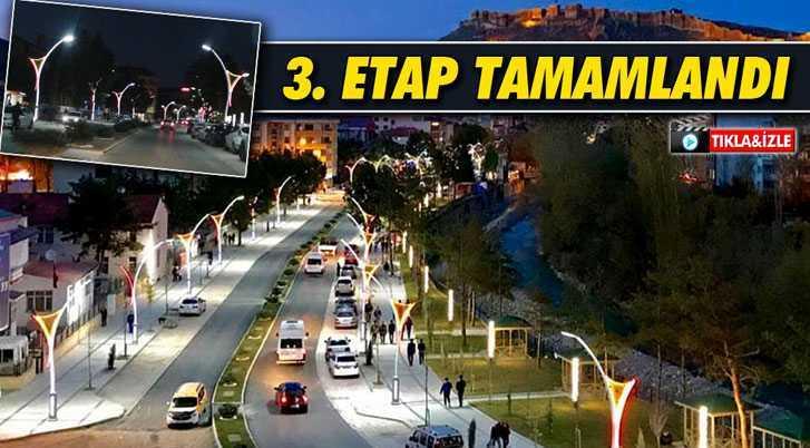 Bayburt'ta Cumhuriyet Caddeside 3. Etap Çalışmaları Tamamlandı