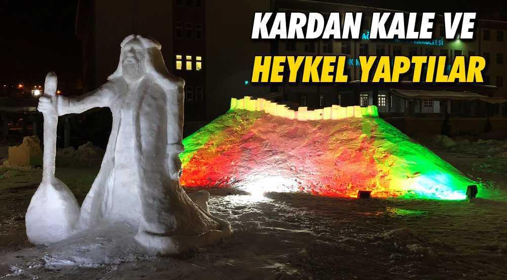 Bayburt Üniversitesinde Kardan Kale ve Heykel Yaptılar