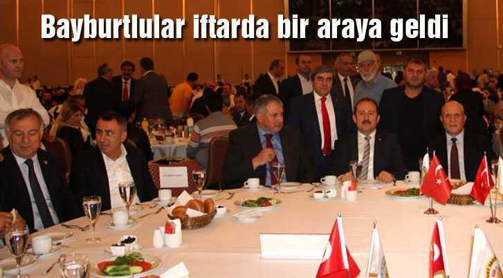 Bayburtlular İstanbul'da Geleneksel İftar Yemeğinde Buluştu