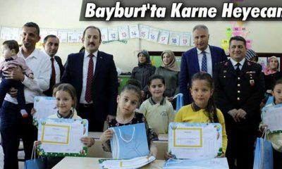 Bayburt'ta Karneler Dağıtıldı Öğrenciler Yaz Tatiline Girdi